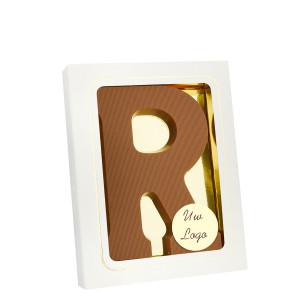 Grote Letter R met logo melk
