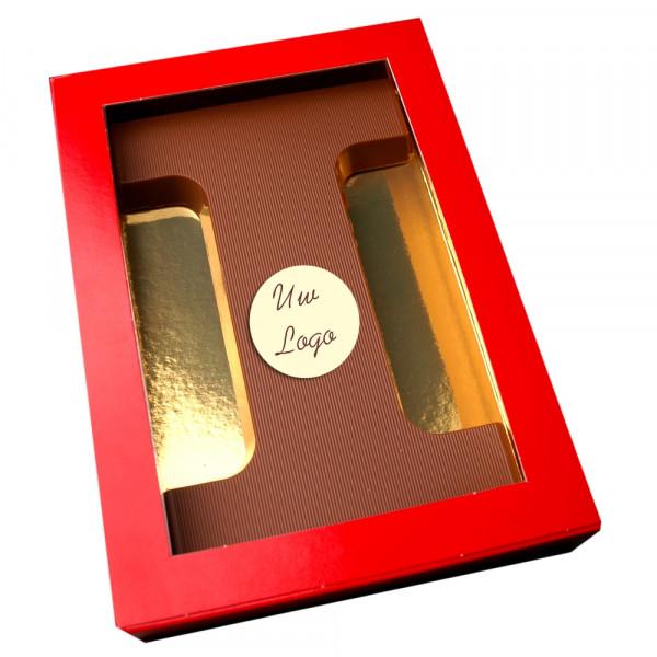 Letter i met logo melkchocolade